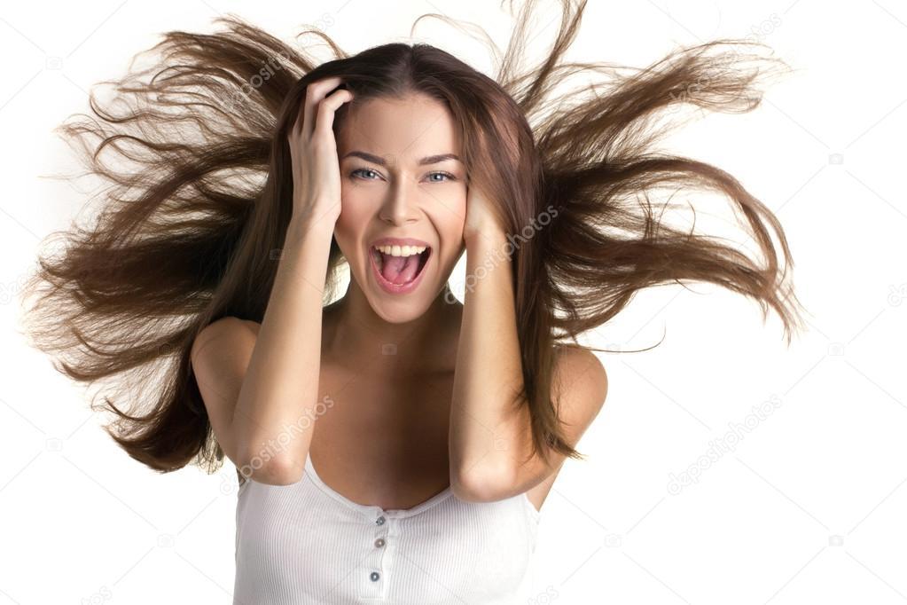 Девушка с развевающимися волосами