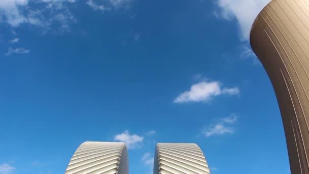 Dampfturbine gegen Kernkraftwerk