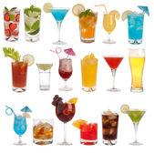 Fotografie nápojů, koktejlů a piva izolovaných na bílém pozadí