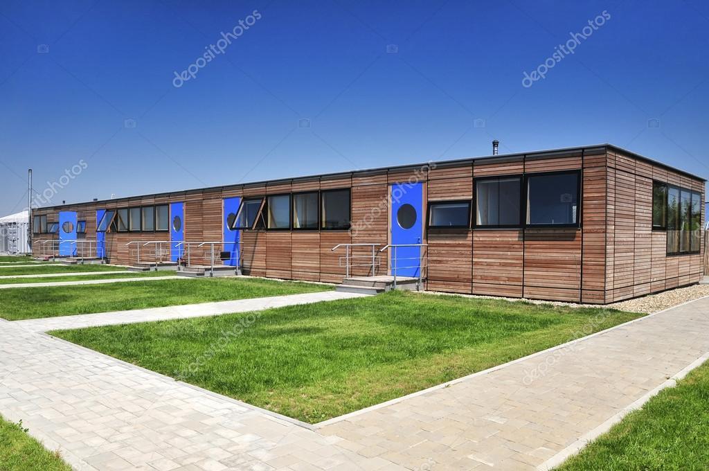 Moderne houten huis gevel u2014 stockfoto © costinc79 #37776379