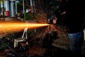 Fényképek Faaprító fém munkavállalók a gyárban
