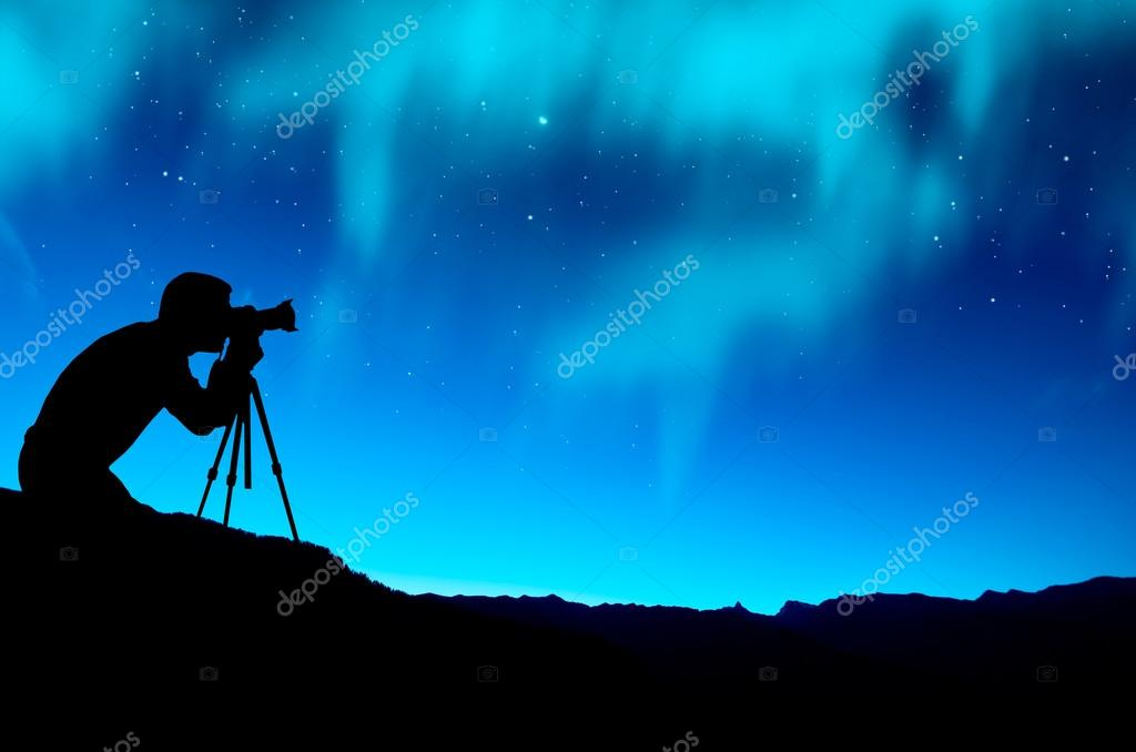 Photographer capture northern lights over mountain