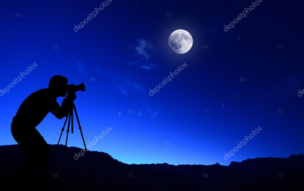 Photographer capture moon