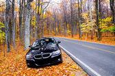 Virginia, usa - 20 října 2012: fotografie bmw 3 série na skyline drive ve Virginii, usa.