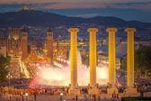 Fotografie Noční pohled na magické fontány v Barceloně