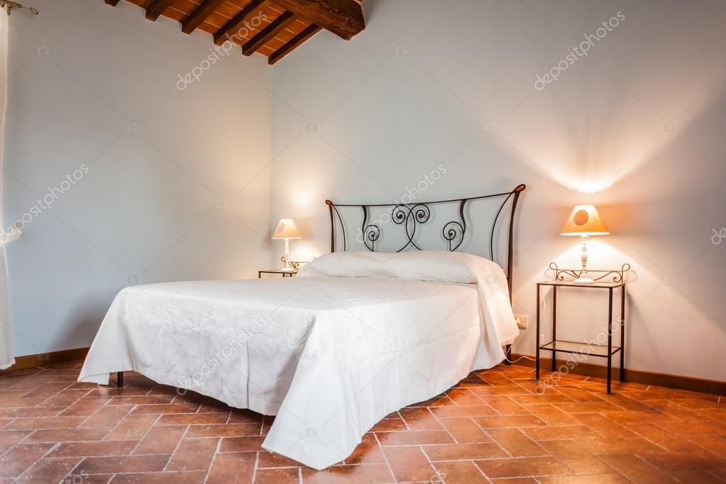 rustieke slaapkamer — Stockfoto © dlpn #26815181