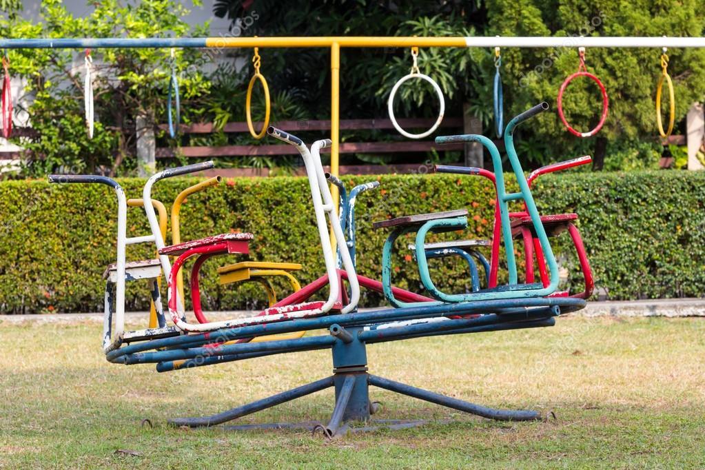 Kinder Karussell Spielplatz Stockfoto Itons 32642967
