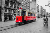 Photo Red tram in Istanbul, Istiklal street, Turkey