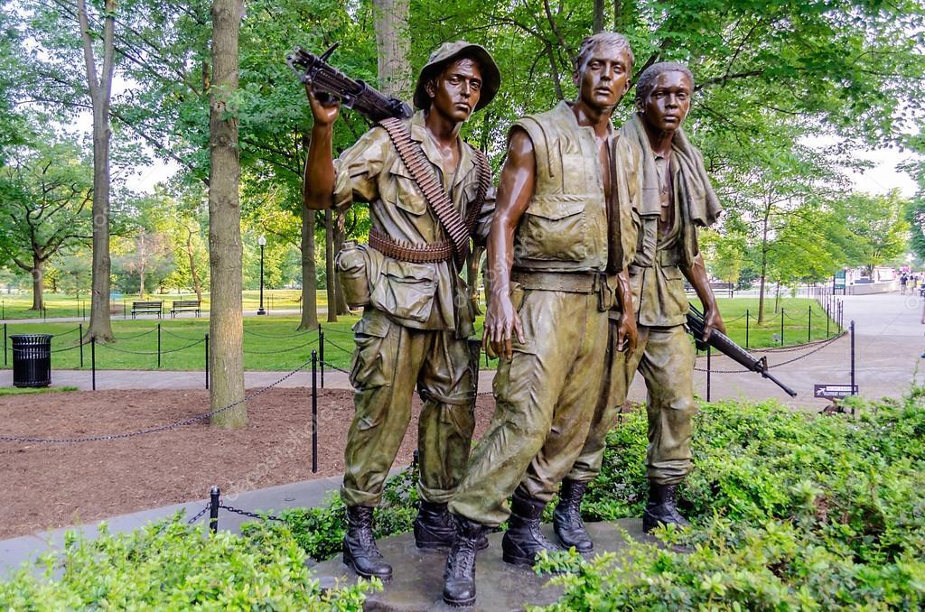 настоящий памятник в вашингтоне ветеранам вьетнама фото других засветах