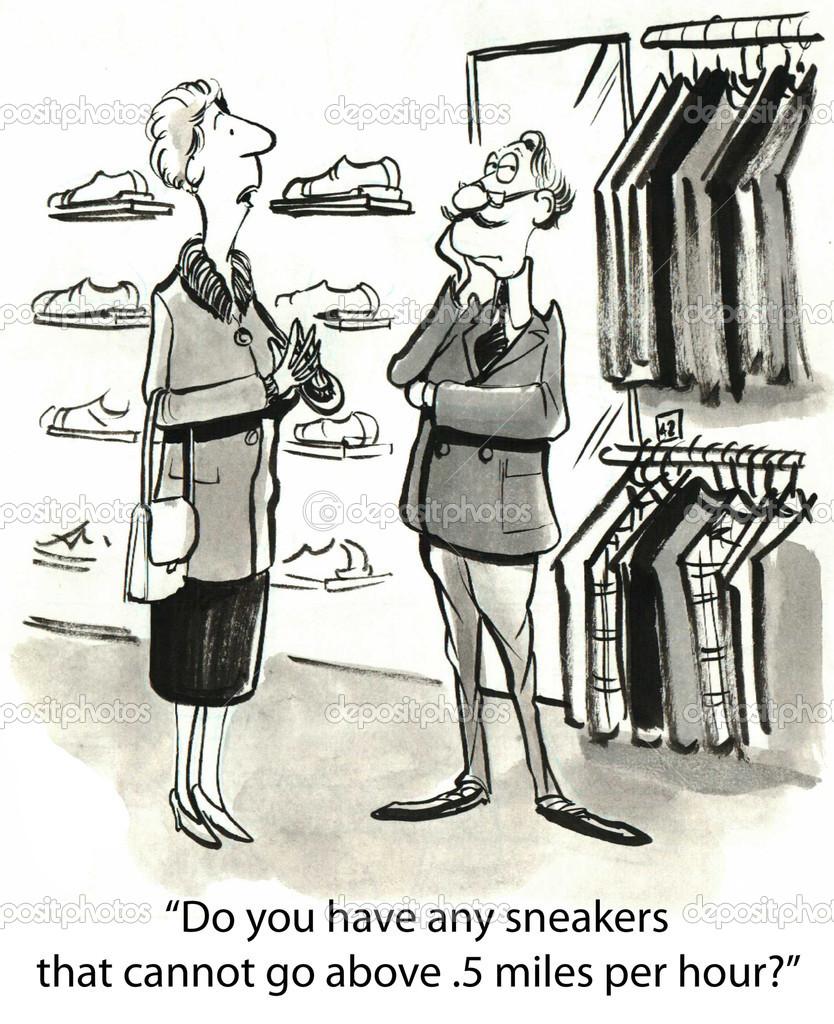 7d6289bc2 Cliente de mulher à procura por tênis em uma loja — Fotografia de Stock