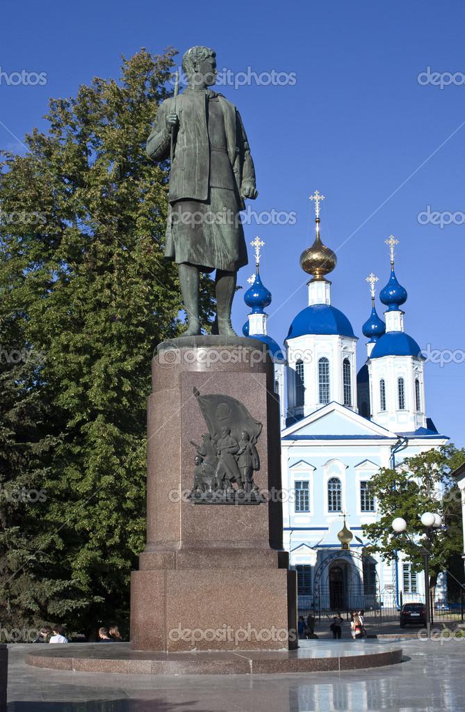 Фото памятника зои космодемьянской в тамбове