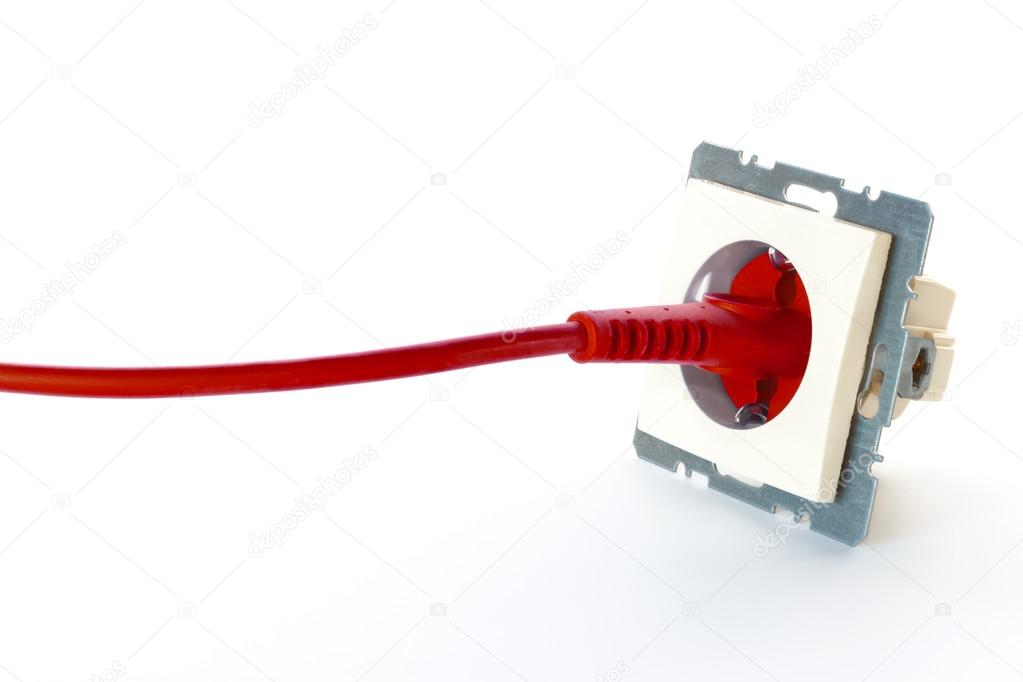 rote Netzkabel an die Steckdose angeschlossen — Stockfoto ...
