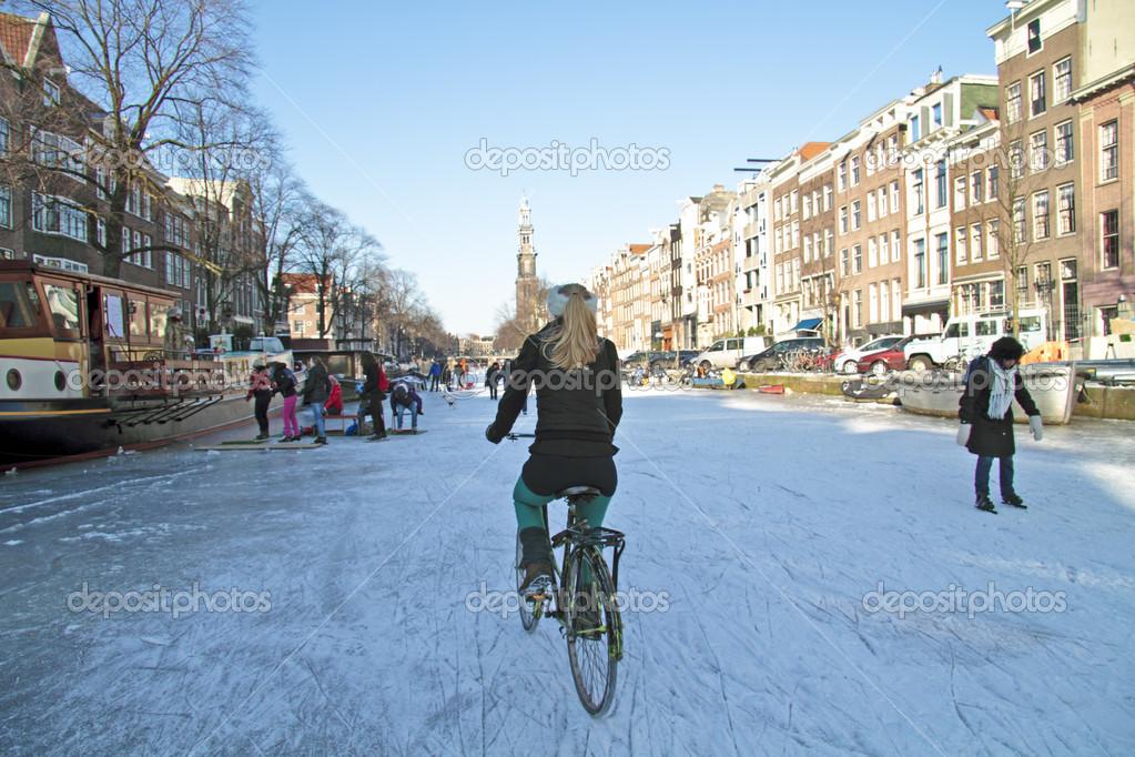 Αποτέλεσμα εικόνας για frozen amsterdam canals