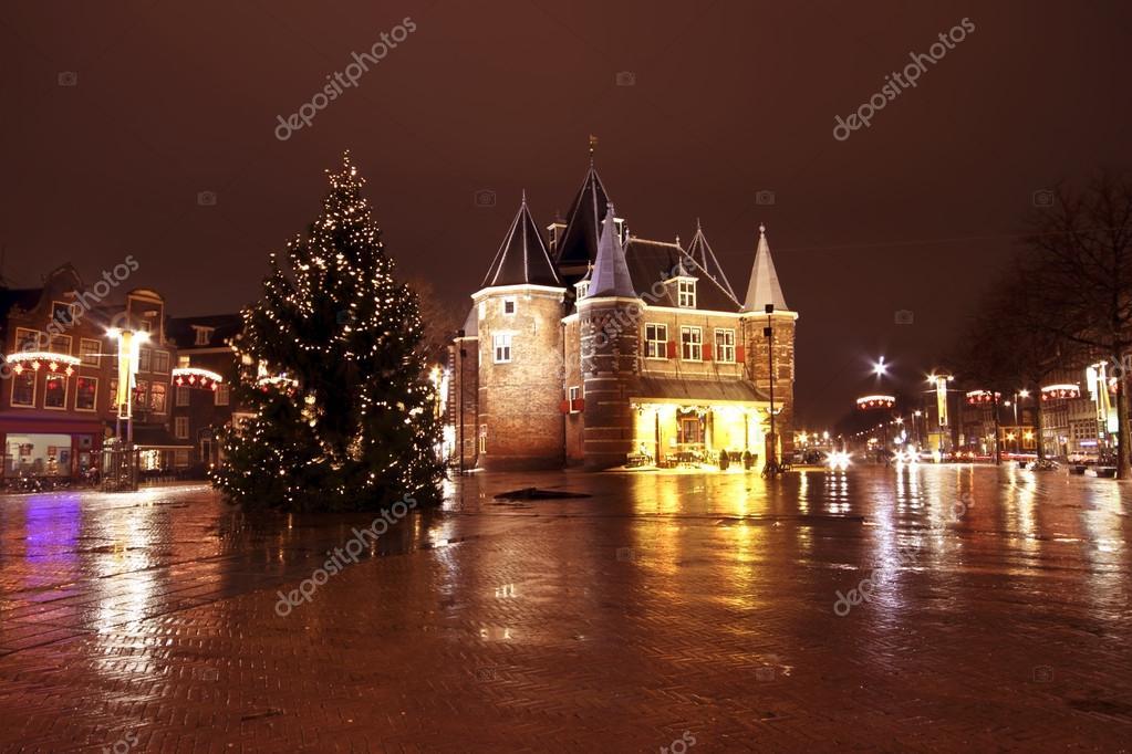 Weihnachten in Amsterdam am Nieuwmarkt in den Niederlanden von n ...