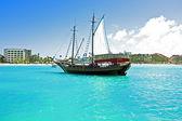 imbarcazione ancoraggio nei Caraibi