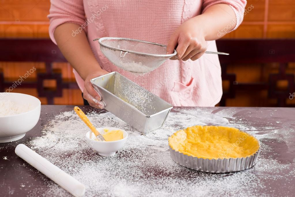 Flour sifting