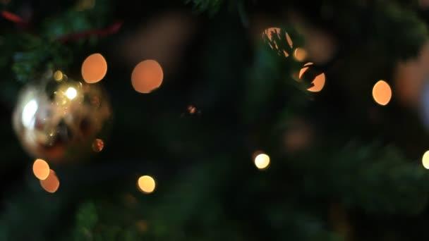 občasné a discontiuous účinky, vánoční čas