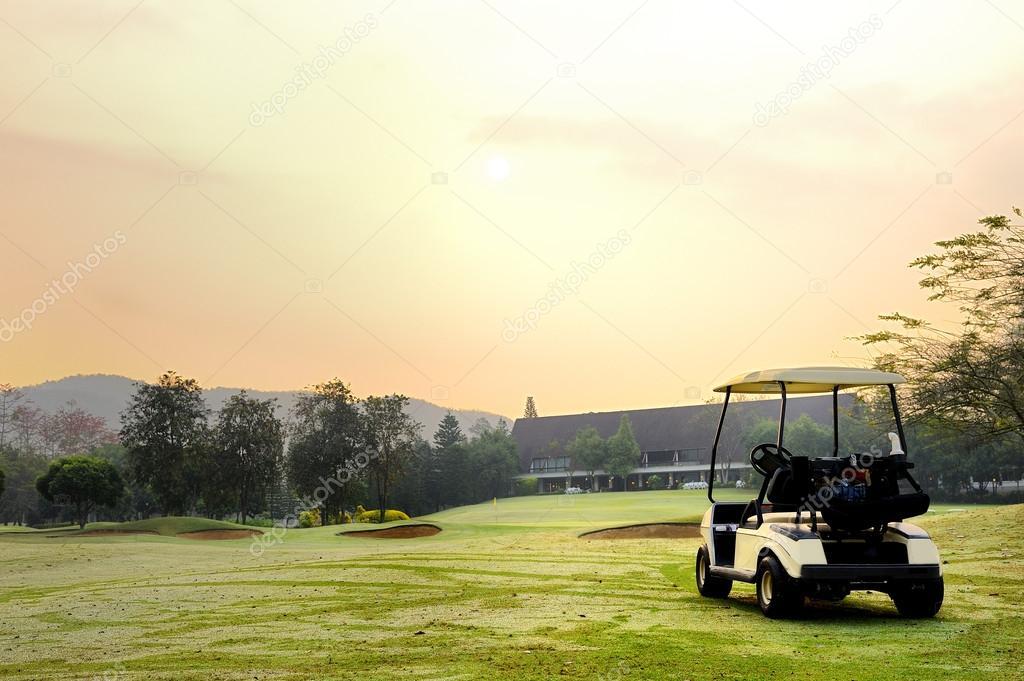 Golf club car