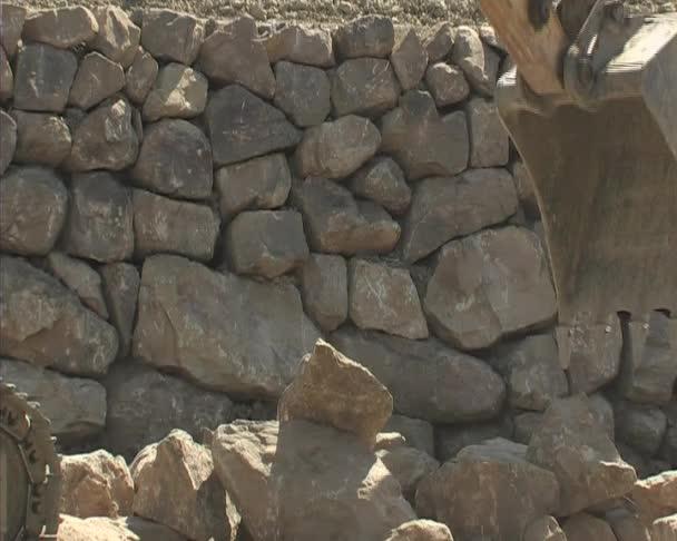 rypadlo, načítání a přenášet kameny. rypadlo. stavba.