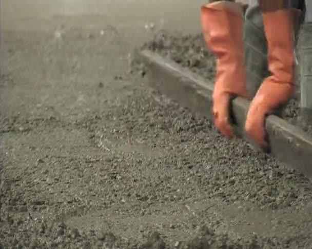 hlazení betonu. stavba