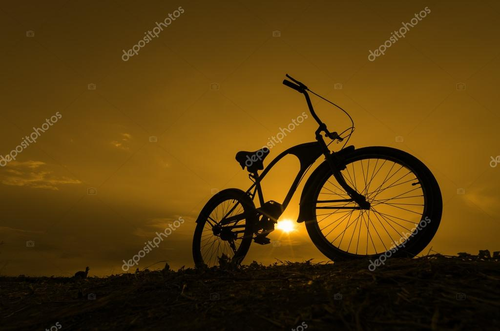 Silhouette of bike