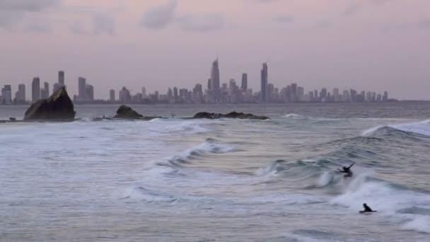 Nézd át currumbin rock surfers paradise, gold coast Ausztrália felé néztem sunset.