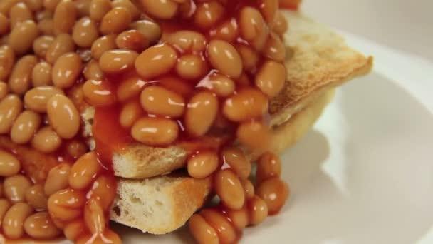 Kaskadierende gebackene Bohnen