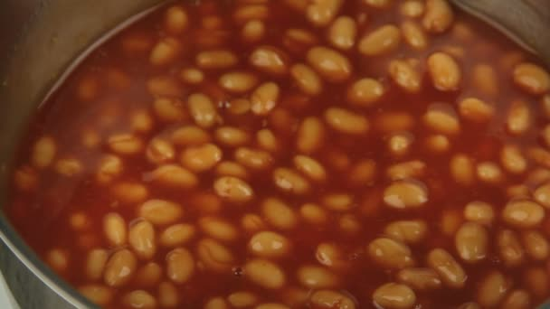 Rühren, gebackene Bohnen