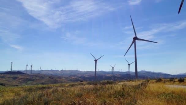 větrný mlýn krajina