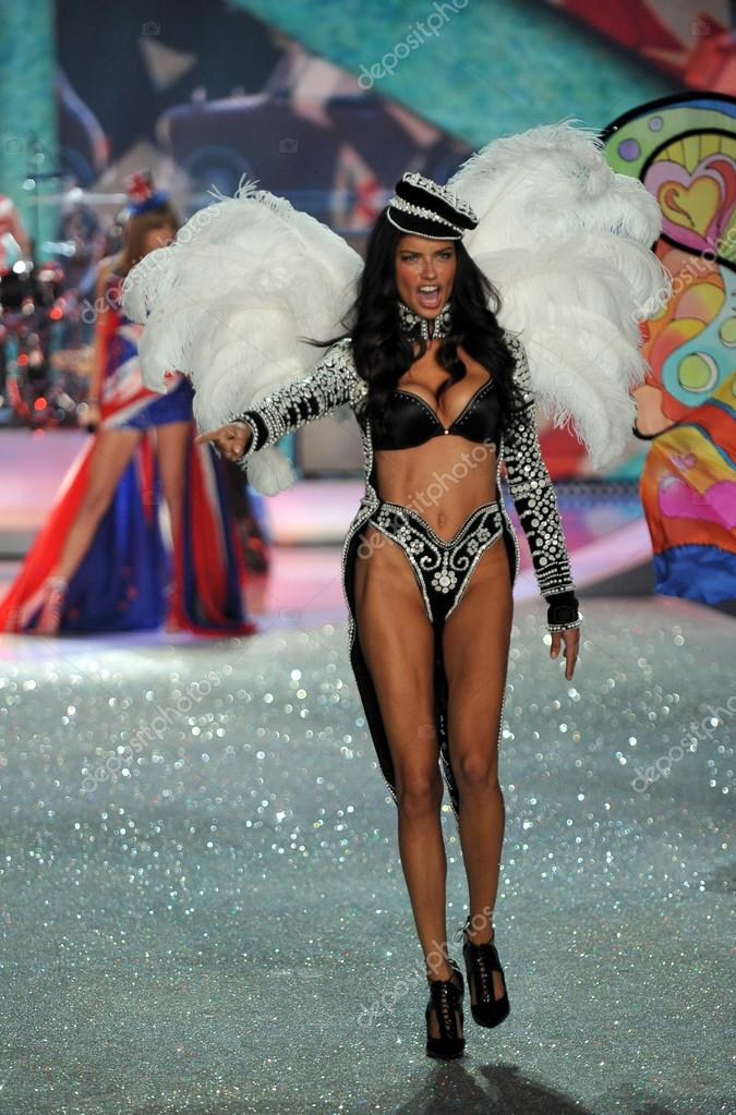 c45fedd09d Victoria s Secret Adriana Lima – Stock Editorial Photo ...