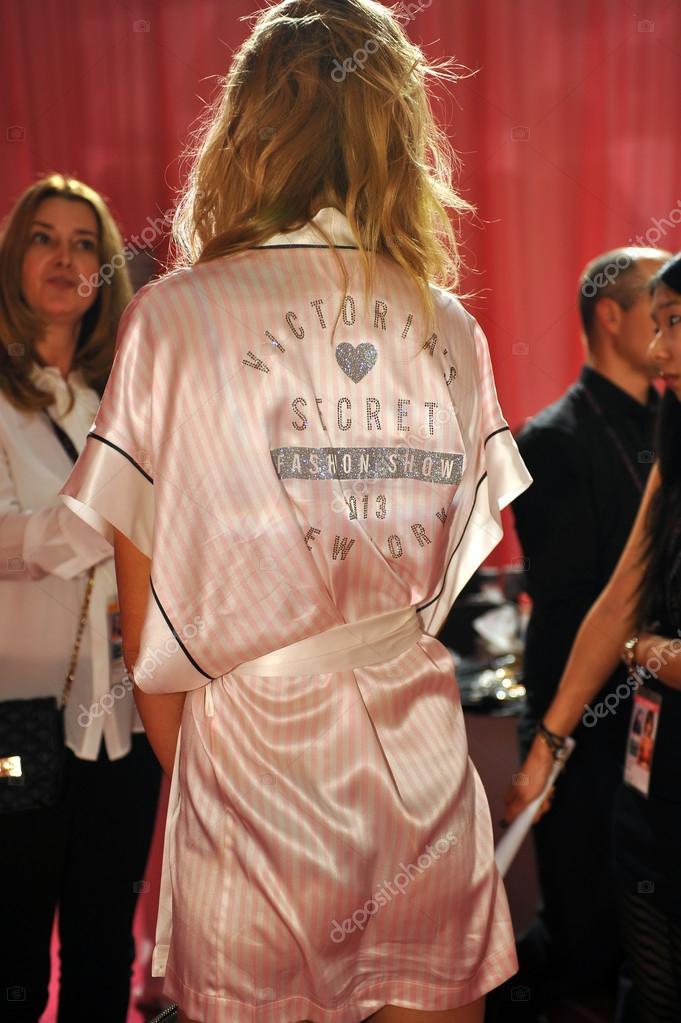 Toni Garrn giving away interviews