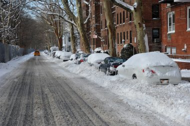 Snow on streets of New York