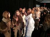 Modely v zákulisí na marc jacobs módní přehlídka