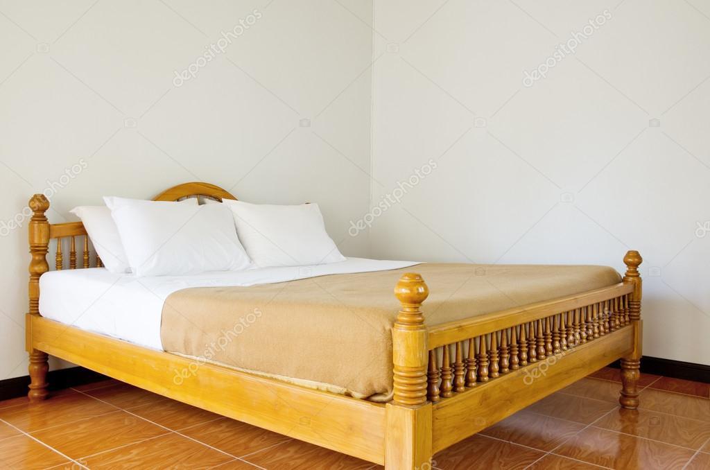 n slaapkamer gemaakt van teak hout stockfoto