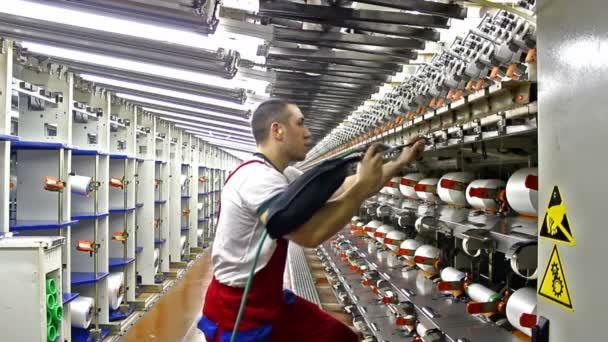 čištění výrobních strojů
