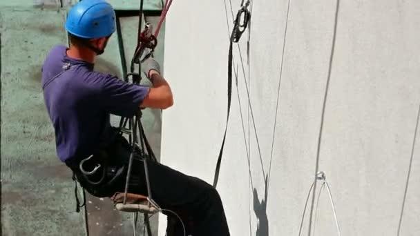 pracovník horolezec