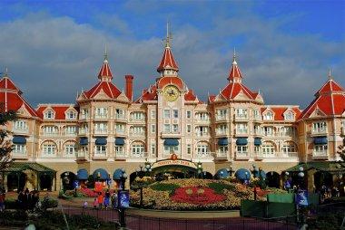 Disneyland entrance castle