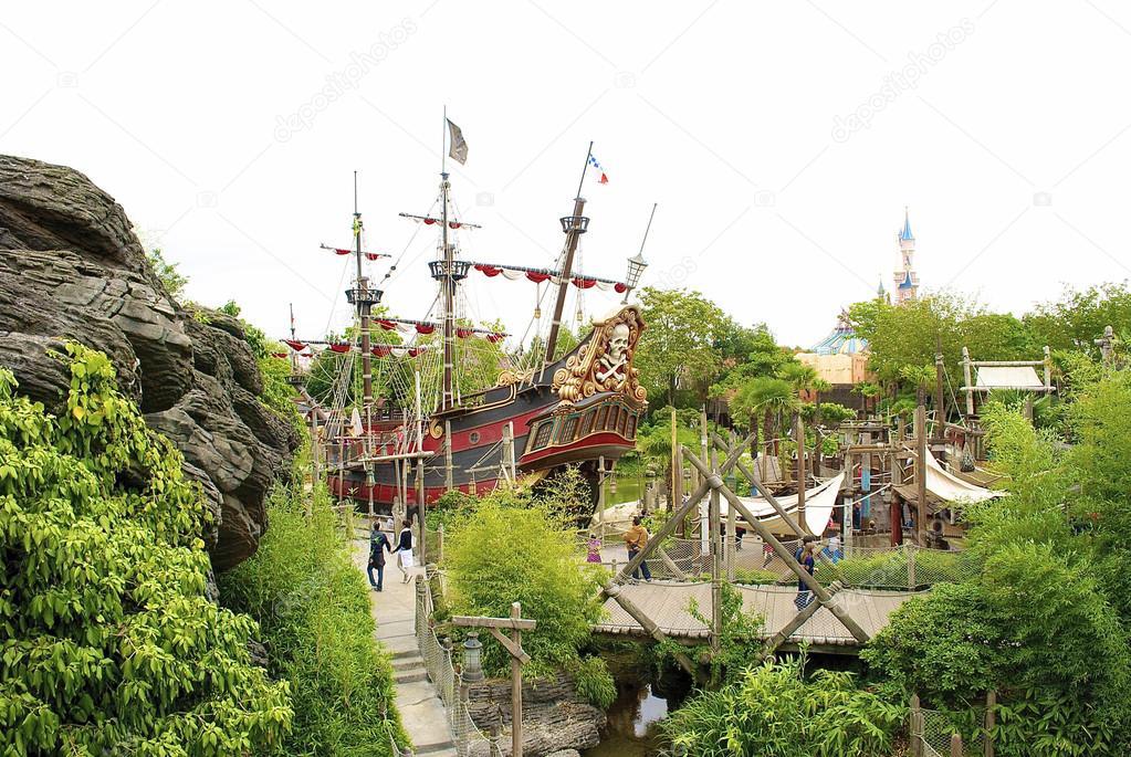 Pirate ship forward