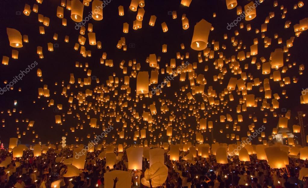 Yi Peng,Firework Festival in Chiangmai Thailand