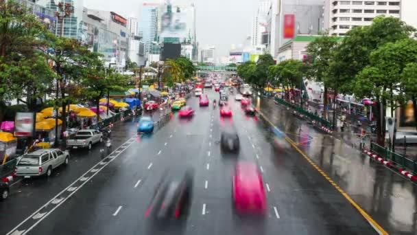 Zeitraffer-Aufnahme von Bangkoks Stadtstraße am Tag