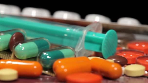 Drogen und Pillen auf Schieberegler gedreht, Video kann geloopt werden