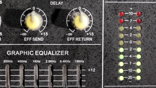 Music mixer a ekvalizér full hd