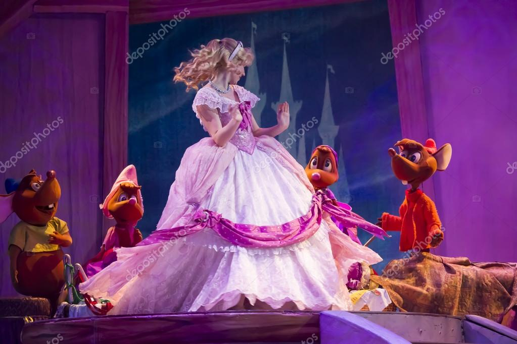 Cinderella and Mice with new dress displayed