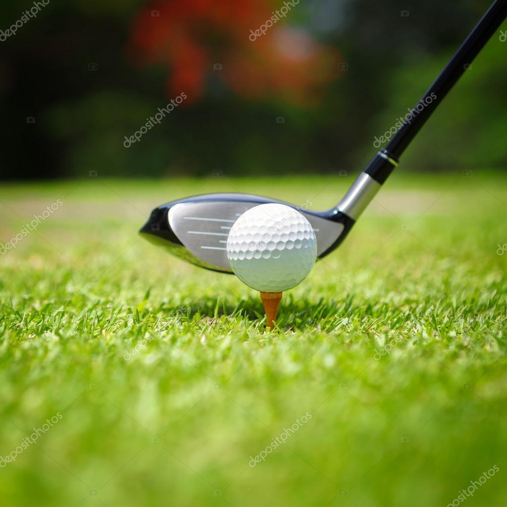 balle de golf sur tee photographie pat138241 26915135. Black Bedroom Furniture Sets. Home Design Ideas