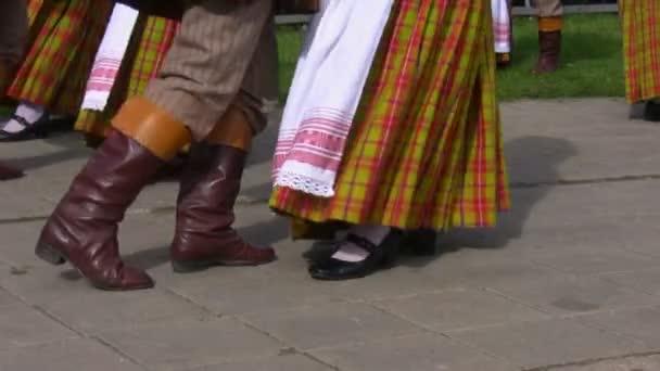 Litevský lidoví tanečníci