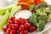 organické syrovou zeleninu s ranč dip