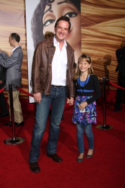 Tim DeKay, daughter