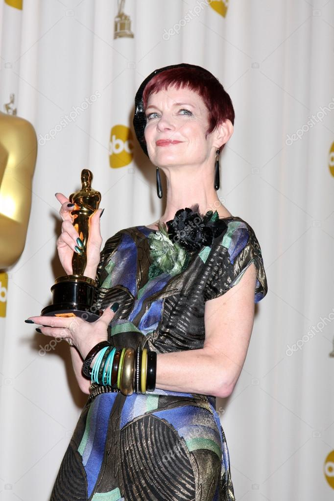 costume designer sandy powell - 682×1023