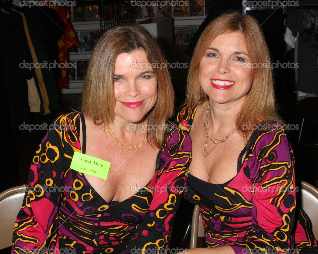 cleavage Camilla and Carey More naked photo 2017