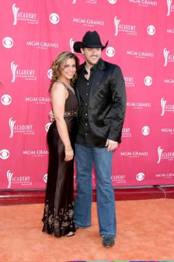 Chris Young & Adrienne Leon